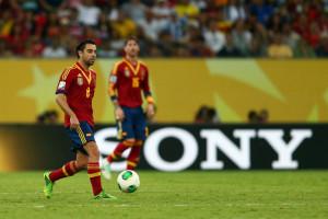 Xavi  e Sergio Ramos ganharam a Copa de 2010 e continuam no Barça e Real. No Brasil isto não seria possível.