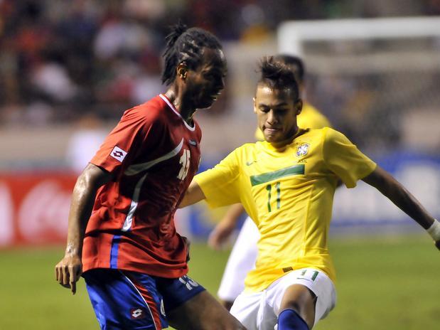 Neymar debulhou os colegas de Barcelona. Agora terá que fazer o mesmo do outro lado.